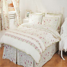 Traditional Floral Bedspreads