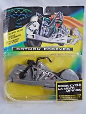 BATMAN FOREVER ROBINS MOTORCYCLE WITH RIPCORD RACING POWER / KENNER 2005 SEALED