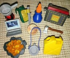 d1~PLAYMOBIL Pick 1~LAMP~AXE~CANTEEN~GAS CAN~BACKPACK~LAPTOP~STOVE~TOTE~TRASURE