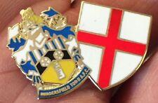 Huddersfield TOWN-St George TWIN SCUDI smalto pin badge