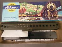 "HO SCALE ATHEARN CANADIAN NATIONAL ""VEALANDIA"" STANDARD C/R COACH KIT"