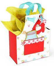 Sizzix Bigz XL Apron Box die #660295 MSRP $39.99 Plus pocket, mitt, heart, trim