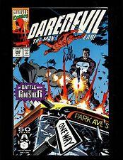DAREDEVIL 292(9.0)AUTO/ LEE WEEKS W/ COA-VS PUNISHER-MARVEL(S000)