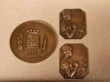 collection de 3 Médailles en Bronze , Peintre signé ? et Ville d Albert .
