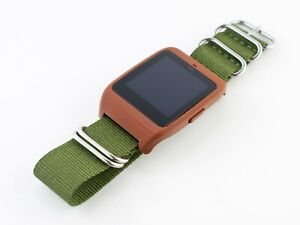 Sony SmartWatch 3 SWR-50 housing/adapter with green NATO nylon strap