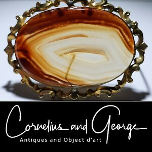 Agate and Gold Dress Brooch