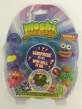 Moshi Monsters Series 5 Blister Pack [Contains 5 Random Figures][Figures Differ]