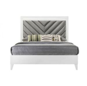 Acme Furniture Chelsie Queen Bed In Gray Fabric & White Finish