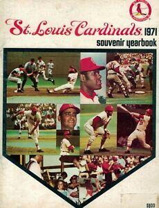 ST. LOUIS CARDINALS 1971 YEARBOOK VINTAGE (GIBSON, BROCK, TORRE & CARLTON)