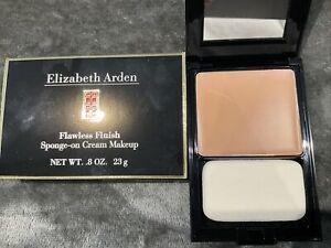 Elizabeth Arden Flawless Finish Foundation Compact Warm Beige BN