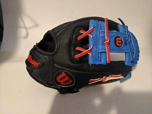 """Wilson A450 Series 12"""" Youth Baseball Glove RHT red blue and black"""