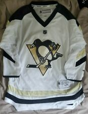 Pittsburgh Penguins  NWT youth size L/XL