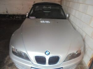 bmw z3 bonnet in titan silver from 2001 with grills complete