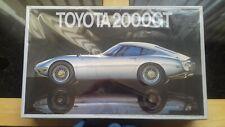 Vintage Fujimi 1/16 Toyota 2000GT model kit.