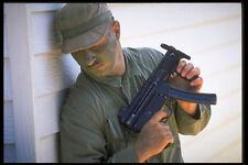414091 BERRETTO VERDE CON 5 MP 9 mm Sub Machine Gun A4 FOTO STAMPA