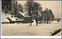 Rautenkranz Vogtland DDR Postkarte ~1957 Partie am Ferienheim Frischhütte Winter