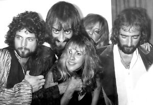 Stevie Nicks Fleetwood Mac High quality Photo Re-Print Free Domestic Shipping 02