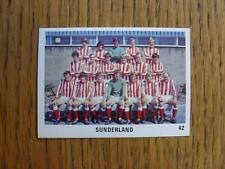 1970/1971 The Sun Football Swap Card: 042 - Sunderland - Team Group Image (red b