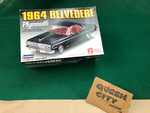 Lindberg 1/25 scale 1964 Plymouth Belvedere model kit #72183  426 wedge/4 speed