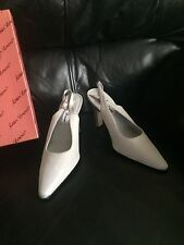 Mister Lorens Slingback Silver Sparkle Bridal Shoes Heels Sz 6.5M NIB Dyeables