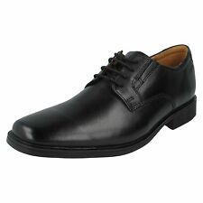 Marques Chaussure homme Clarks homme Gilman Mode Black leather