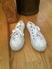 Flora and Henri Pepe Off White Lace Up Canvas Sneaker 32 EUC