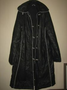 """A LOVELY STYLISH JAN ROBERT BLACK  LONG QUILTED COAT SIZE 16  LENGTH APPROX  47"""""""