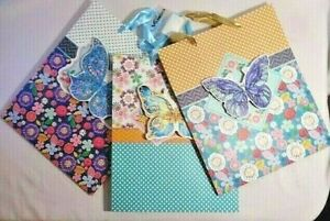 IV America Butterfly 3D Gift Bags Set of 3 Floral Dots Chevron Ribbon Handle NEW