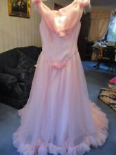 TRULY SCRUMPTIOUS Vintage On/ Off Shoulder Pink Wedding Gown With Train Size 12