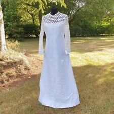Beautiful vintage 1960s Crotchet Wedding Dress Lovely condition fits size 10 12