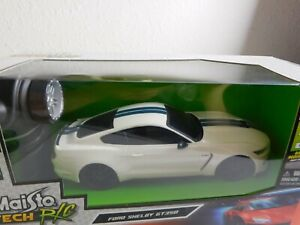 Maisto Tech R/C Ford Shelby GT 350 1:24 Street Series 49MHz Frequency Ages 5+