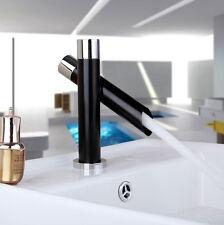 Robinet d'eau chaude et froides de lavabo de salle de bain noir