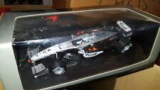 Minichamps 1/18 McLaren Mercedes MP4-17 2002 Kimi Raikkonen 530021804 West Liver