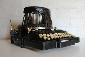 Antique ROYAL BARLOCK - Exquisite Eye Catching Typewriter - Original Condition