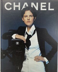 """""""CHANEL"""" Spring-Summer 1997 Collection Booklet Artbook"""