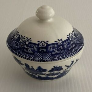Vintage Churchill Sugar Bowl with Lid Blue Oriental Pattern England VGUC