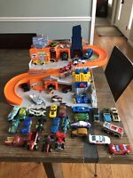 2015 Hot Wheels Sto &Go Folding Race Track Playset WITH LOT of 40 CARS!