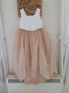 Beautiful little girls flower girl/bridesmaid dress aged 8 in cream and gold