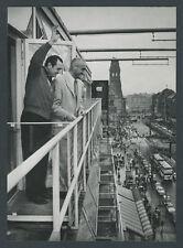 Orig photo Ernest Borgnine André De Toth CAFE Kranzler Kurfürstendamm Berlin 1959