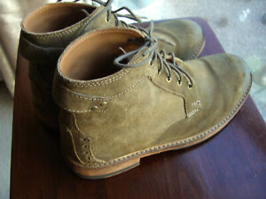 CLARKS MENS SUEDE BOOTS SIZE 8 WORN TWICE