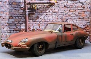 Jaguar E Type 1/18 Barn Find  Diorama