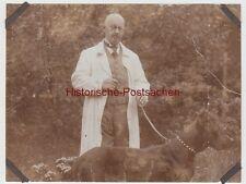 (F13067) Orig. Foto Mann Georg mit Hund Angus spazieren 1928