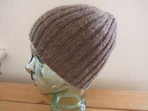 A man's hand knitted pure British wool ribbed beanie hat in classic brown, M, ne