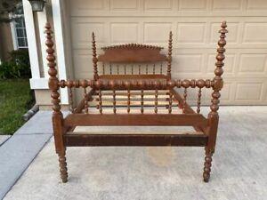 Antique Jenny Lind spool/spindle 3/4 bed