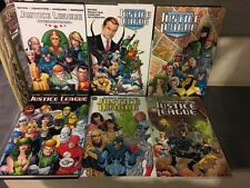 JUSTICE LEAGUE INTERNATIONAL BY GIFFEN DEMATTEIS MAGUIRE / LOT 6 GN DC COMICS