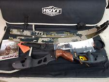 "Hoyt Satori Recurve 19"" Right Handed Bow - Black Riser"