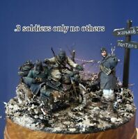 1/35 Resin German WW2 Ask the way 3 Soldiers Unpainted Unassembled BL633