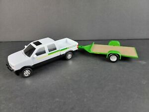 Ertl John Deere Pickup Truck Diecast Plastic Metal 1/32 White w/ Green Trailer