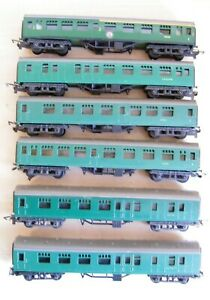 Tri-ang TT - Group of 6 SR Green Coaches