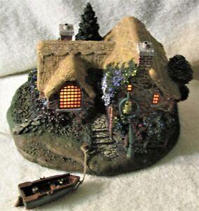 Thomas Kinkade 2001 Hawthorne Village, SEASIDE BOATHOUSE w/ BOAT, Lighted. COA I